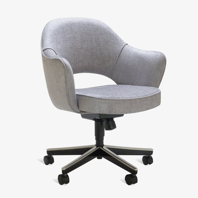 Contemporary Saarinen Executive Arm Chairs in Sterling Weave, Swivel Base - Set of 6 For Sale - Image 3 of 9