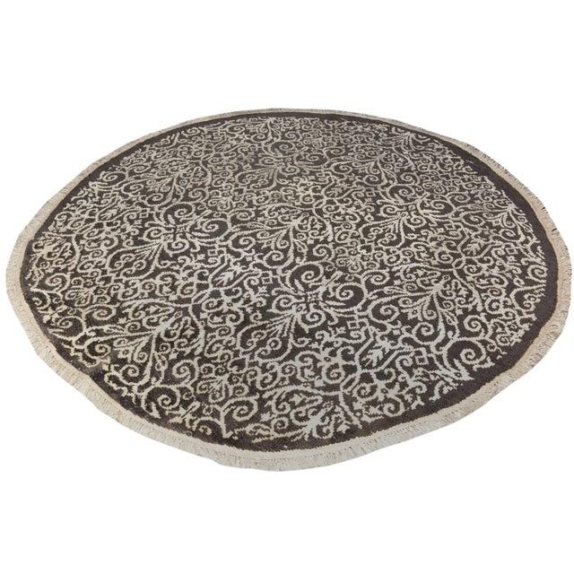 Kafkaz Peshawar Cyrena Charcoal & Ivory Wool & Viscouse Round Rug - 5'10 X 6'0 For Sale - Image 5 of 8