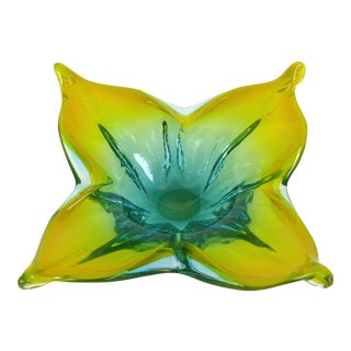 Striking Murano Glass Bowl in Yellow and Green For Sale