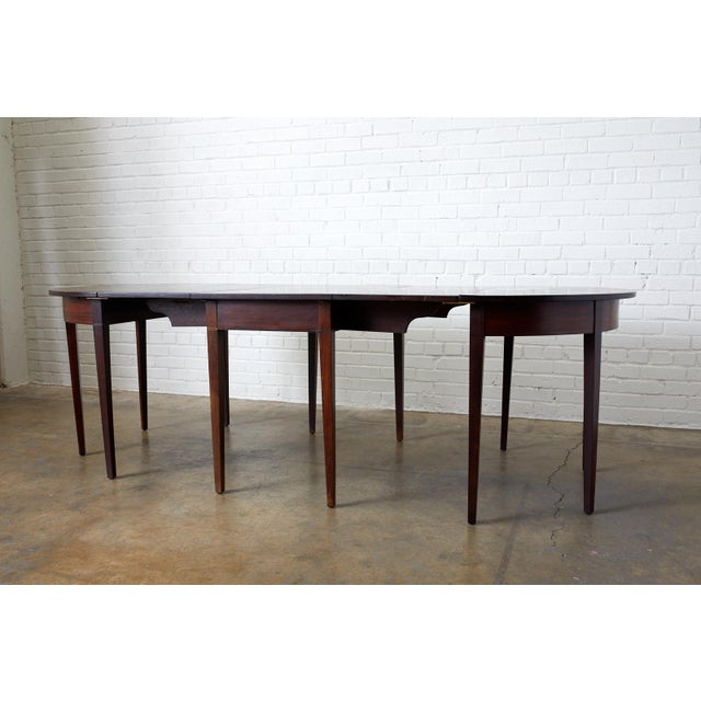 English English Hepplewhite Mahogany Dining Table With Demilunes For Sale - Image 3 of 13