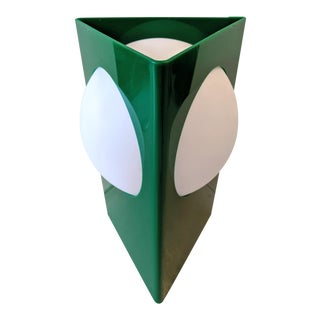 1970s Verner Panton Style, Green Plastic Standing Triangle Table Lamp With Intersecting Shade For Sale