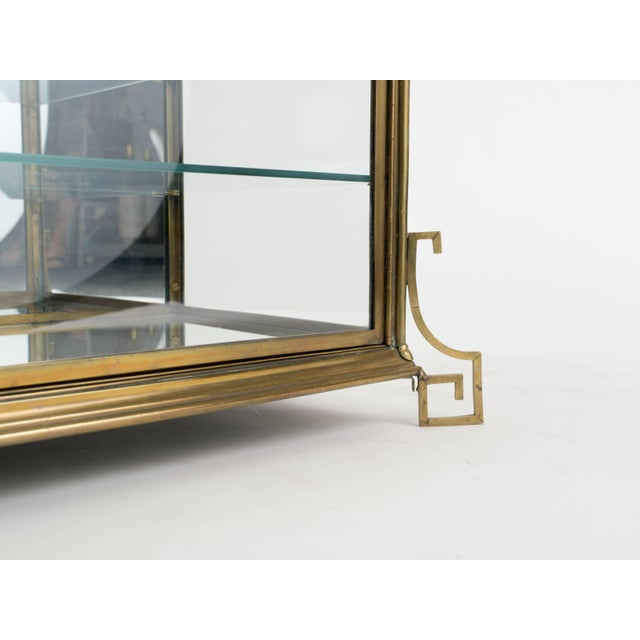 1940s Italian Brass and Glass Display Cabinet For Sale - Image 5 of 11
