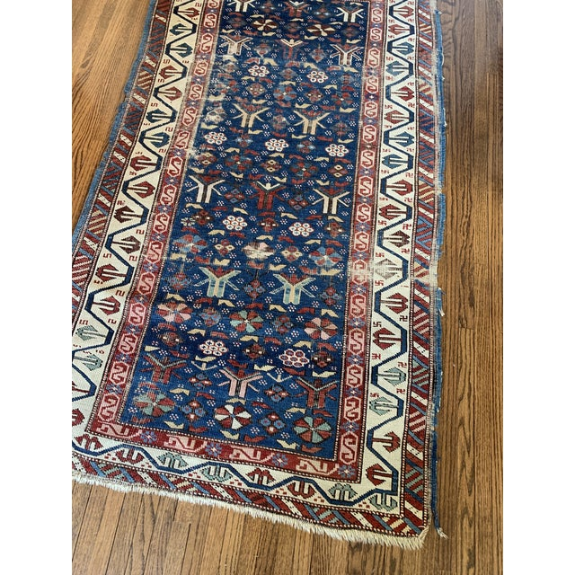 Beautiful vintage hand knotted rug in traditional Persian pattern.