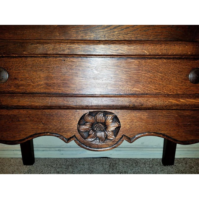 17c French Provincial Oak Commode For Sale - Image 10 of 13