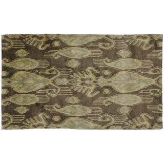 "Modern Ikat Rug - 3' x 4'11"" For Sale"