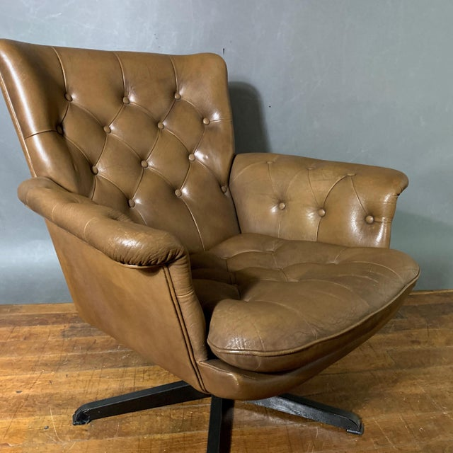 Pair Scandinavian Deep-Buttoned Leather Swivel Chairs, 1970s For Sale - Image 9 of 11