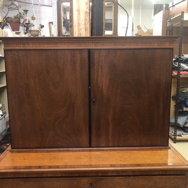 19th Century Antique 1830s English Satinwood Mahogany Butler's Desk For Sale - Image 5 of 12