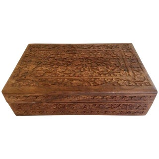 Early 20th Century Anglo Raj Hand-Carved Wooden Decorative Jewelry Box For Sale
