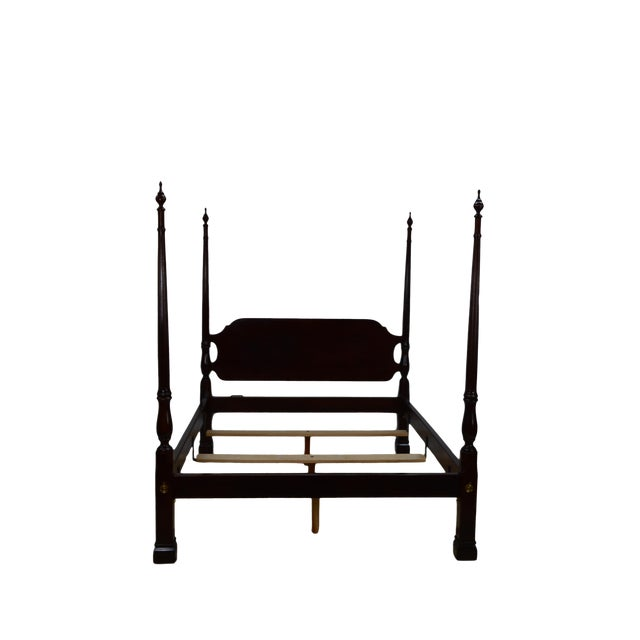 20th Century Traditional Stickley Solid Mahogany Queen Poster Bedframe For Sale