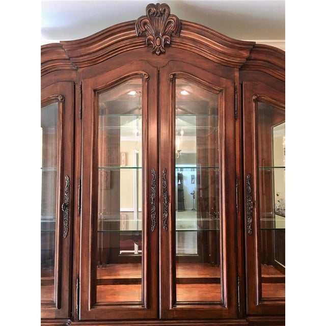 Traditional Avignon by Bernhardt China Cabinet Deck & Base For Sale - Image 3 of 13