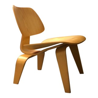 Mid-Century Modern Charles Eames Wooden Lounge Chair (Lcw)