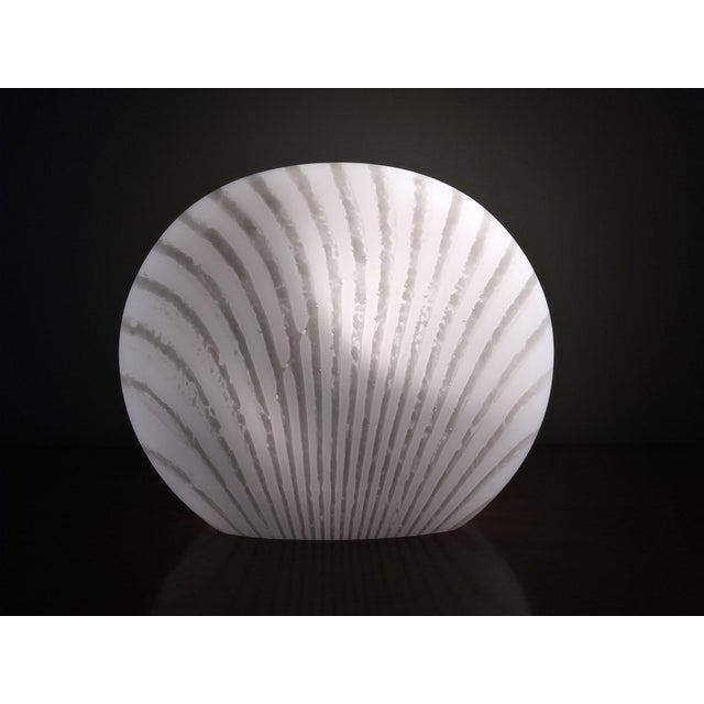 1960's Italian Murano Vetri White and Gray Swirl Shell Table Lamp For Sale In Miami - Image 6 of 10