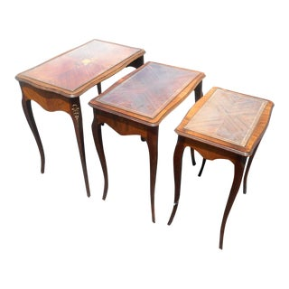 1950s French Regency Satinwood Inlay Nesting Side Tables - Set of 3 For Sale