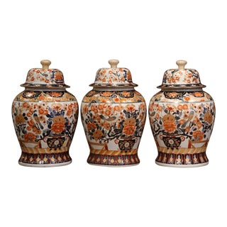 Set of Three Early 20th Century, Chinese Export Porcelain Ginger Jars With Lids For Sale