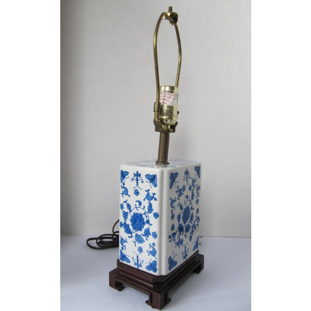 Asian Blue and White Chinoiserie Lamp For Sale - Image 3 of 7