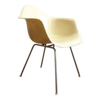 Vintage Herman Miller Eames Fiberglass Shell Chair