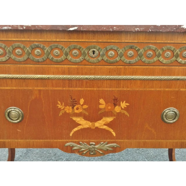 Early 20th Century 19th Century French Bronze Inlaid Marble Top Commode For Sale - Image 5 of 11