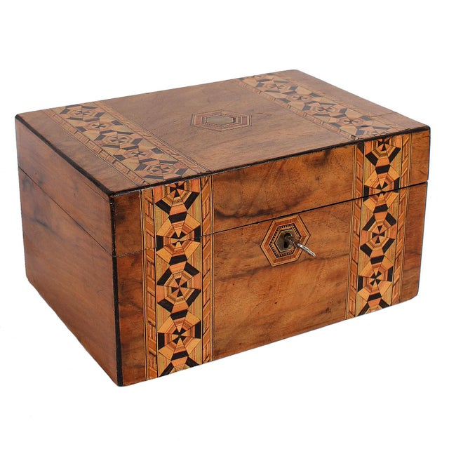 19th C. English Box With Exquisite Marquetry For Sale - Image 11 of 11