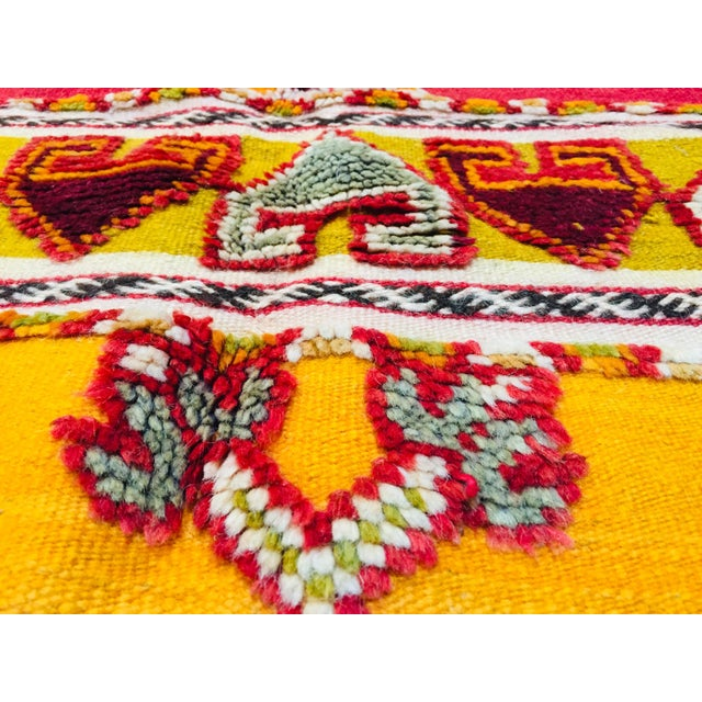 Moroccan Vintage Tribal Rug - 4′9″ × 6′11″ For Sale - Image 11 of 13