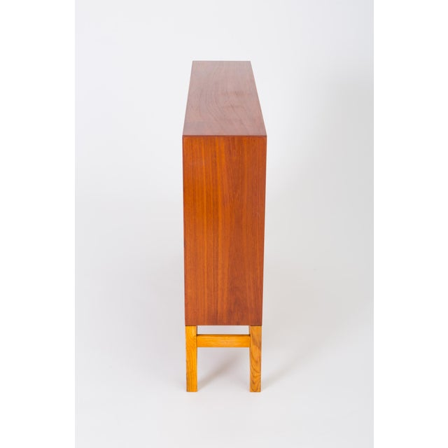 Oak Danish Modern Bookcase in Teak and Oak by Børge Mogensen For Sale - Image 7 of 12