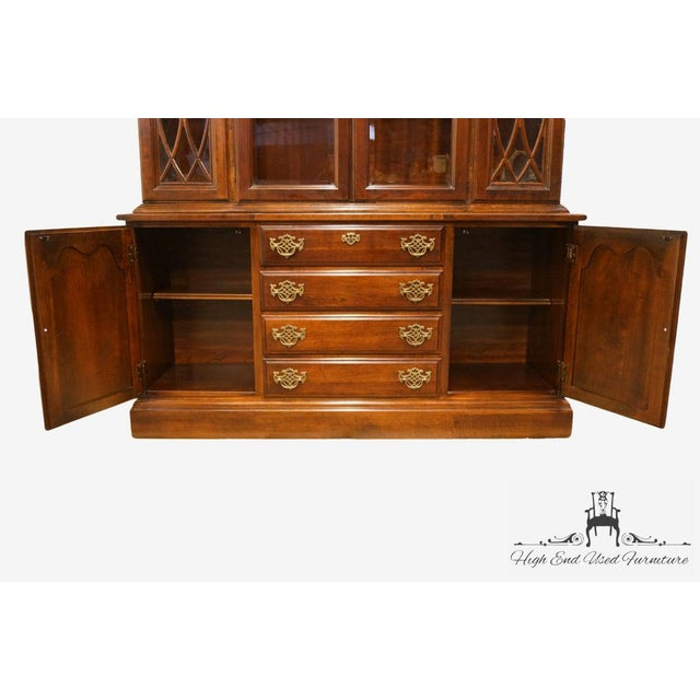 Late 20th Century Vintage American Drew Cherry Chippendale China Cabinet For Sale In Kansas City - Image 6 of 13