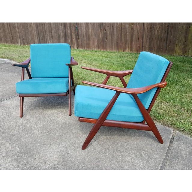 Arne Hovmand-Olsen 1960s Danish Modern Hovmand Olsen Lounge Chairs - a Pair For Sale - Image 4 of 13