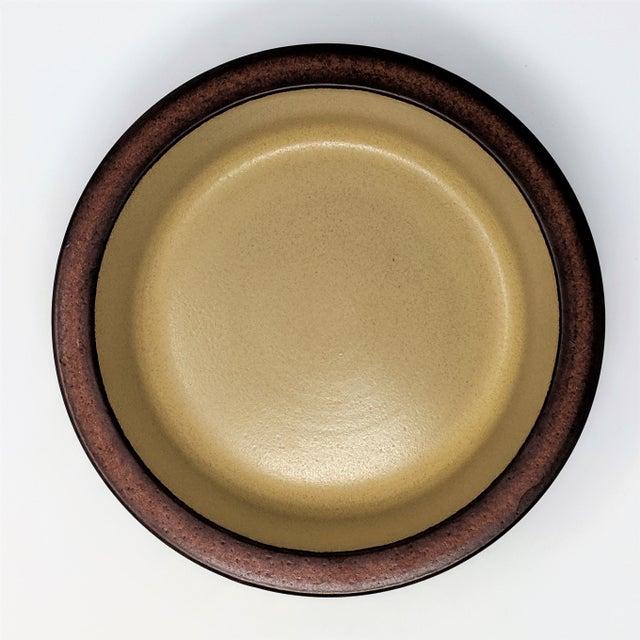 Mid-Century Modern 1980's Vintage Heath Ceramics Rim Line Serving Bowl For Sale - Image 3 of 8