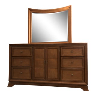 Early American Thomasville Dresser With Mirror For Sale