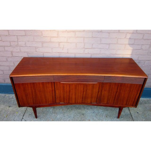 Vintage Danish Modern Rosewood Credenza For Sale - Image 4 of 13