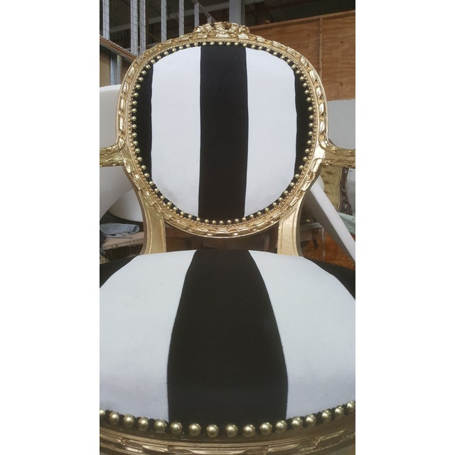 French Antique Louis XVI Chair in Gold Leaf with Black and White Striped Velvet For Sale - Image 3 of 4