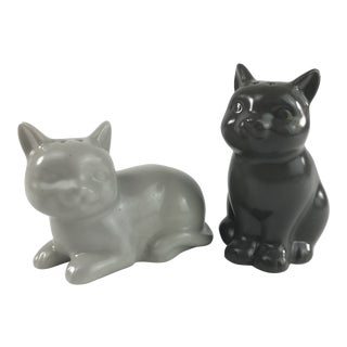 Vintage Gray Kitty Cat Salt and Pepper Shakers - a Pair For Sale