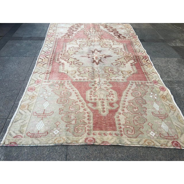 Textile 1960s Vintage White Turkish Rug- 3′9″ × 6′9″ For Sale - Image 7 of 11
