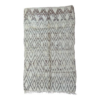 Beni Ourain Vintage Moroccan Rug- 6′9″ × 11′3″ For Sale
