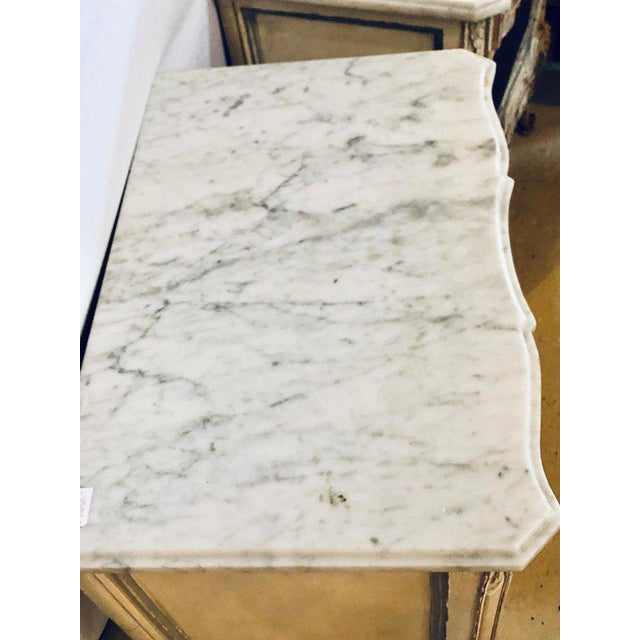 1940s A Distressed Pair of Louis XV Style Marble Top End Tables Bed/Night Side Stand For Sale - Image 5 of 12