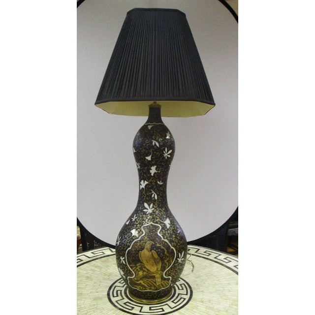 Midcentury Japanese Porcelain Hand-Painted Gourd Lamp For Sale In New York - Image 6 of 6