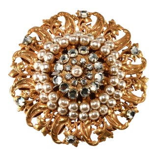 Miriam Haskell Classic Faux Pearl and Rhinestone Brooch Pin Vintage For Sale
