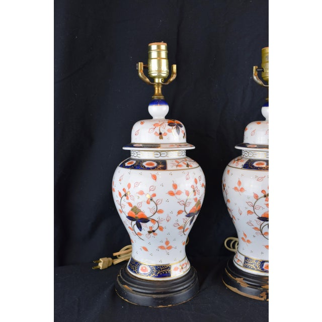Pair of English Traditional lamps with an Imari style pattern. In good condition. Made in the late 19th century
