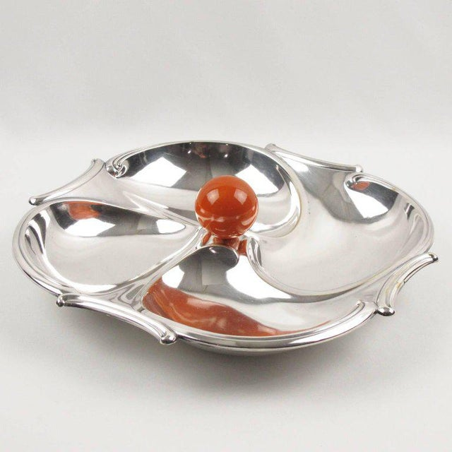 French Art Deco barware serving set for hors d'oeuvres, cocktail or appetizers by silversmith Bezou, Paris. Featuring a...