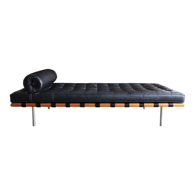 Mies Van Der Rohe Leather & Walnut Daybed for Knoll, 1983 For Sale