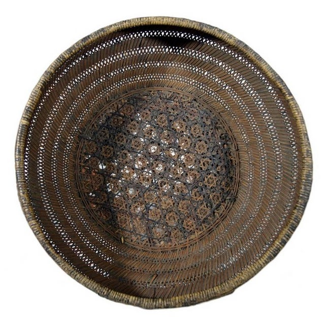 Wood Antique Handwoven Cane and Bamboo Grain Basket from 19th Century, China For Sale - Image 7 of 8