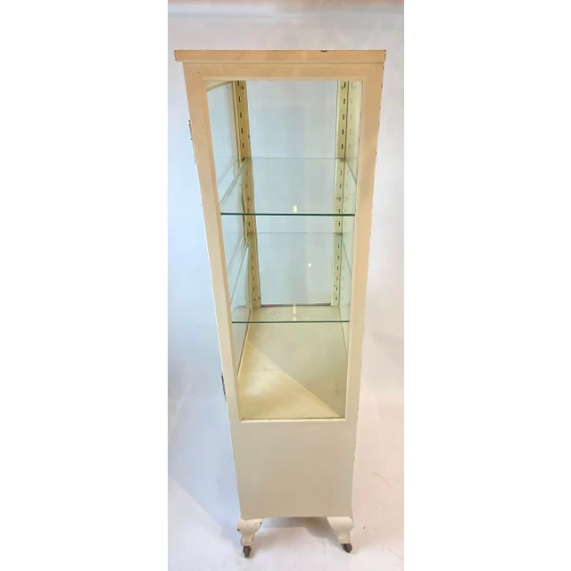 1950s Mid Century Metal Medical Cabinet For Sale - Image 4 of 13
