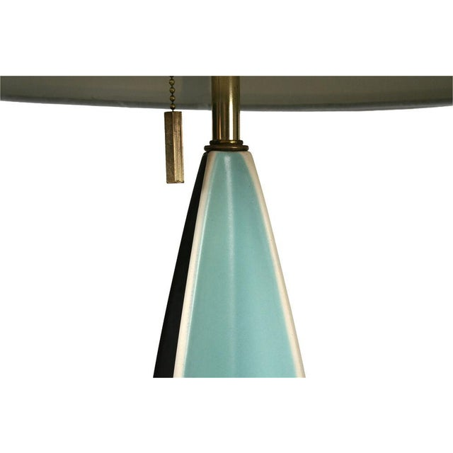 1950s Gerald Thurston for Lightolier Parabolic Fin Table Lamp For Sale - Image 5 of 5