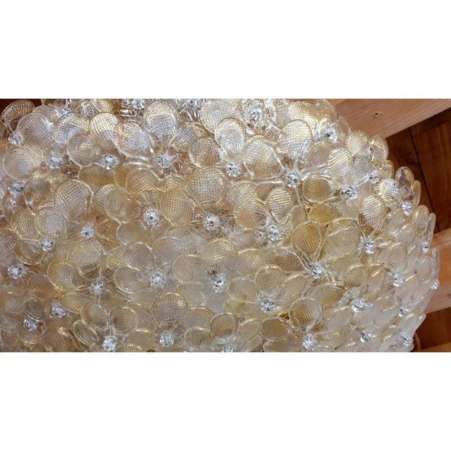 Barovier & Toso 1970s Barovier Large Mid Century Modern Murano Glass Flower Flush Mount Light For Sale - Image 4 of 11