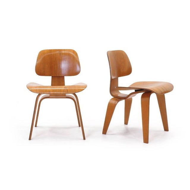 Herman Miller Set of Four Vintage Eames DCWS Add Our Red Eames Dining Chairs to Make Six For Sale - Image 4 of 10