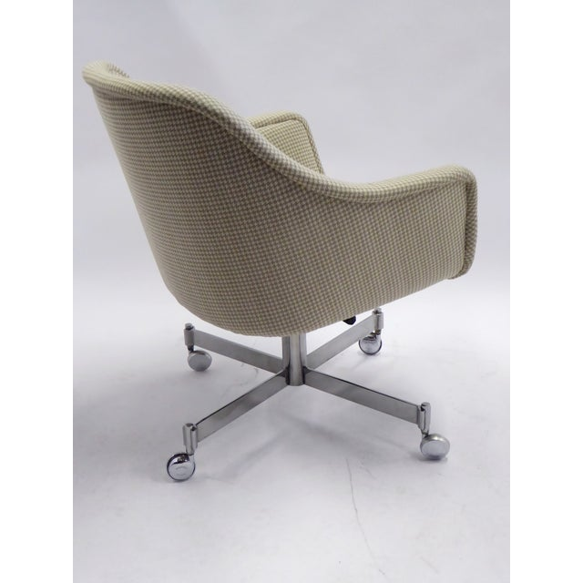 Ward Bennett for Brickel Associates,Bumper Office Desk Armchair on Casters. For Sale In Miami - Image 6 of 12