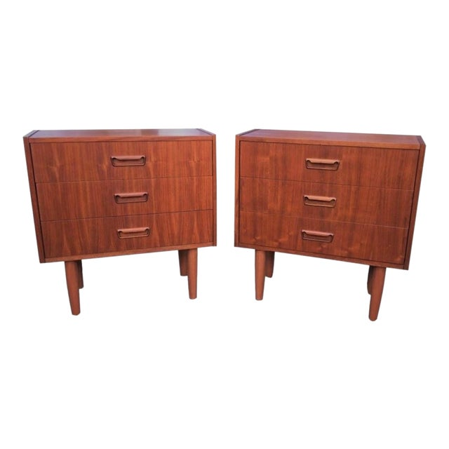 Mid Century Modern Danish Mobler Teak Pair of 3 Drawer Nightstands End Table Set With Sculpted Handles For Sale