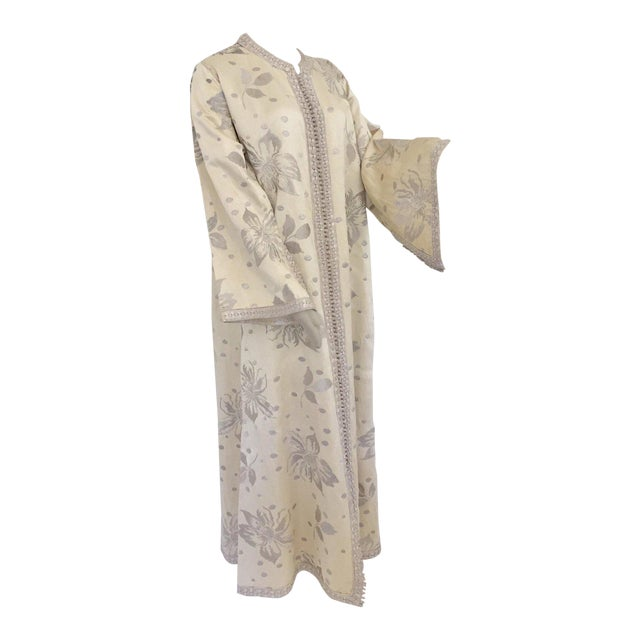 Elegant Moroccan Caftan With Silver Metallic Floral Silk Brocade For Sale