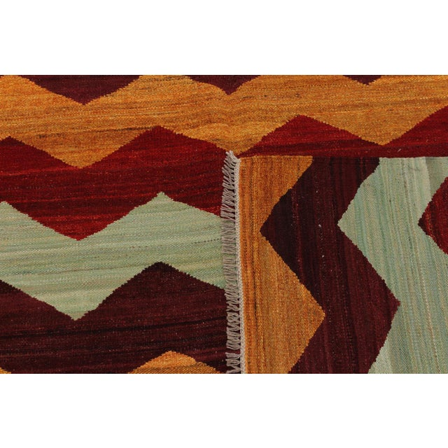 Textile Abstract Kilim Margaret Hand-Woven Wool Rug - 6′4″ × 9′ For Sale - Image 7 of 8
