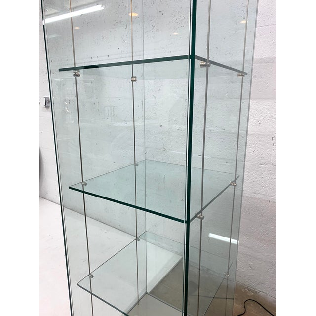 1980s Contemporary Glass Curio / Vitrine With Spot Lamp For Sale - Image 5 of 13