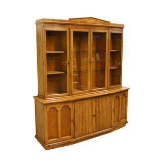 Late 20th Century Vintage American of Martinsville Italian Neoclassical Tuscan Cabinet Preview